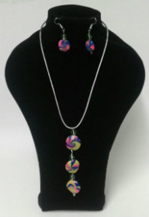 Three tier Pendant Necklace set
