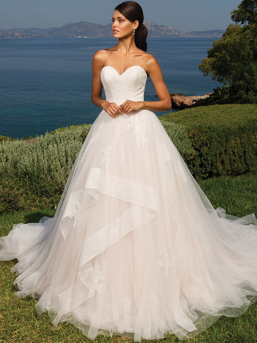 Justin Alexander 8951 Sweetheart Wedding Dress