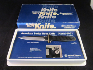 S&W  Boot knife model 6051 Box