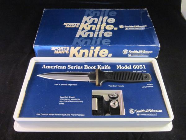 S&W  Boot knife model 6051 Box