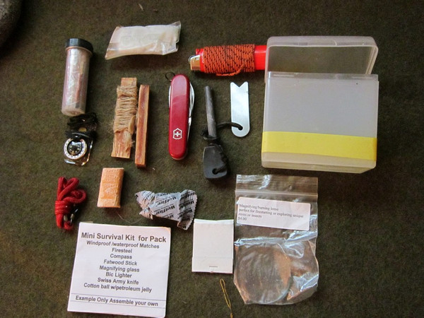 Small Waterproof Fire Starting Kit