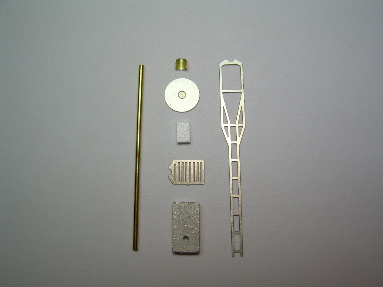 True Scale Searchlight Signal Kit HO Scale by Pro Tech