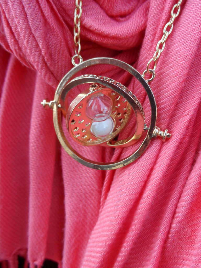 Time Turner Pendant (White Sand)