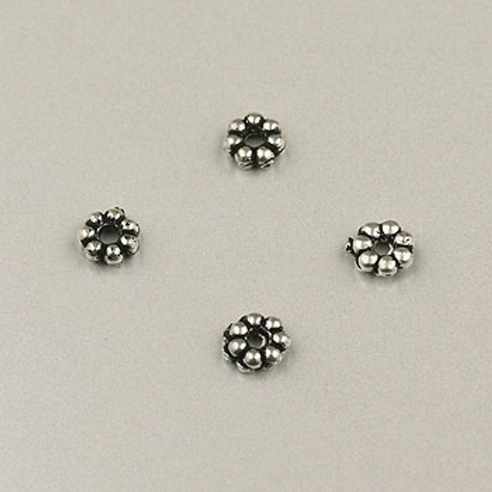 SP0008 - 4mm Daisy Silver Plate (pkg of 100)