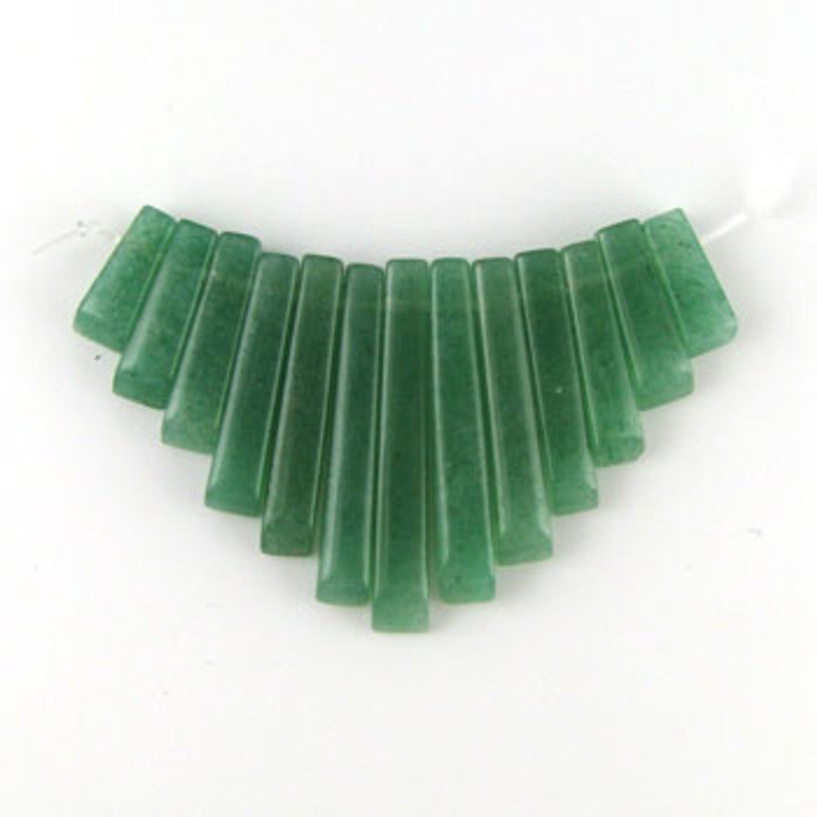 CL0014 - Aventurine, Green Semi-Precious Stone Collar (13 pieces)