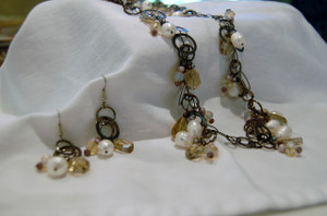 Classic Freshwater Pearl and Crystals on Gun Metal Circle Chain