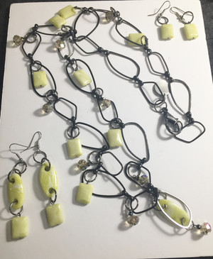 Yellow Agate and Crystal drops Necklace set