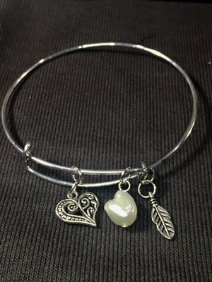 Silver Simplicity with an Elegant Feminine Touch
