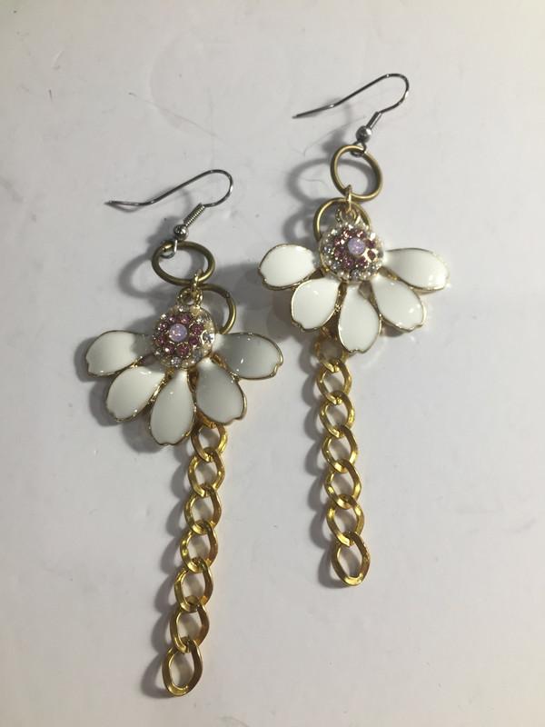 White enamel flower and gold drop earrings