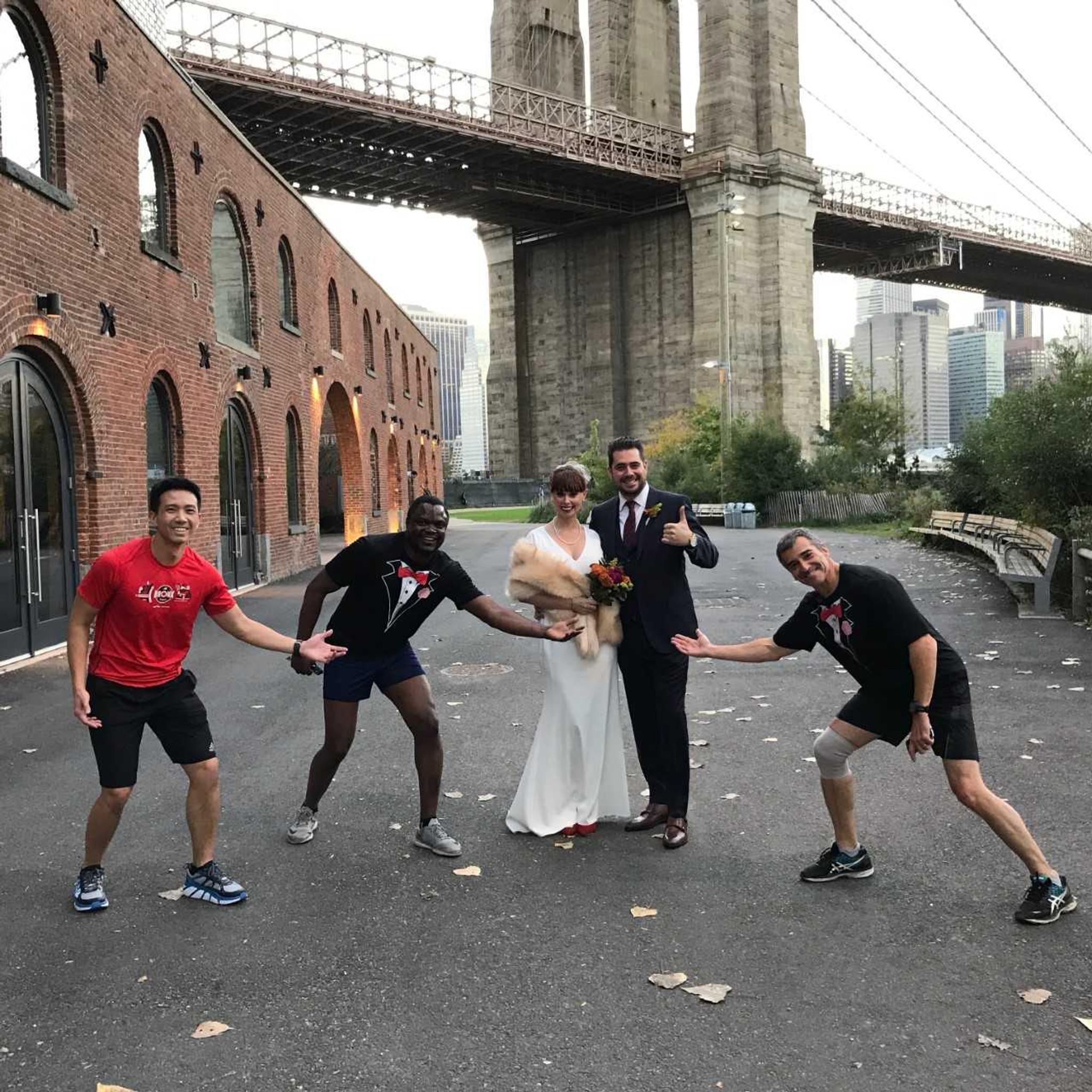 Brooklyn Bridge Photobombers
