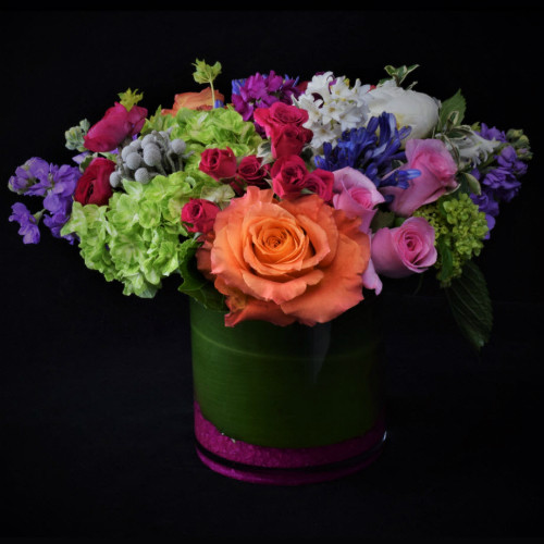 VIBRANT WINTER GARDEN BOUQUET