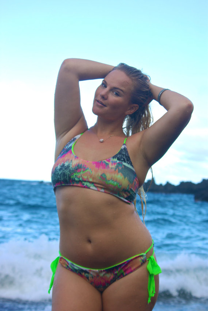 A PAHOA REVERSIBLE Halter lace-up full support Plus Size BATHING suit Top Customize Size & Choose from 50+ Fabrics7