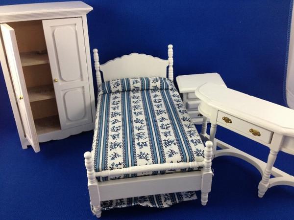 4 pc White Bedroom Set