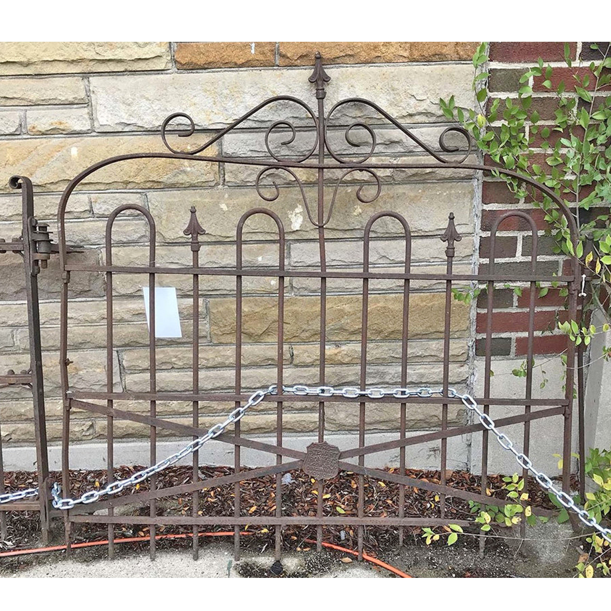A17094 - Antique Wrought Iron Gate