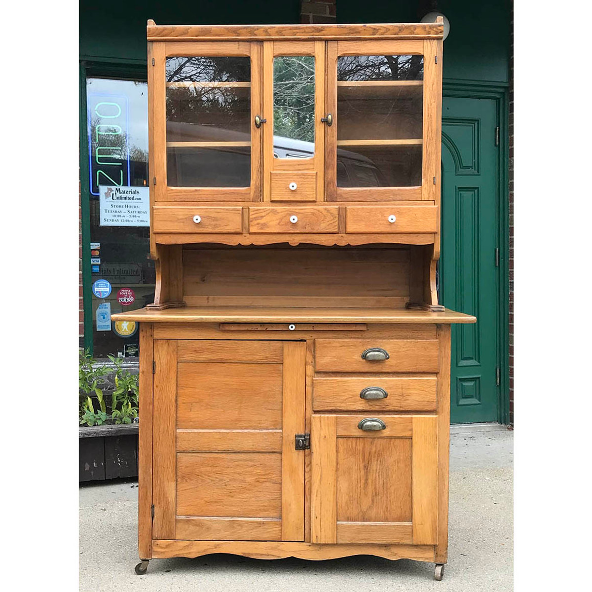 - F17130 - Antique Hoosier Style Bakers Cabinet