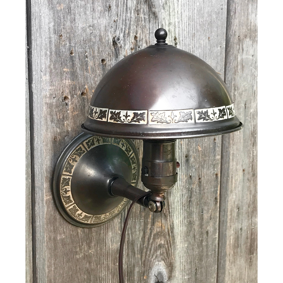 "L18107 - Antique Revival Period Clip on ""Headboard"" Sconce"