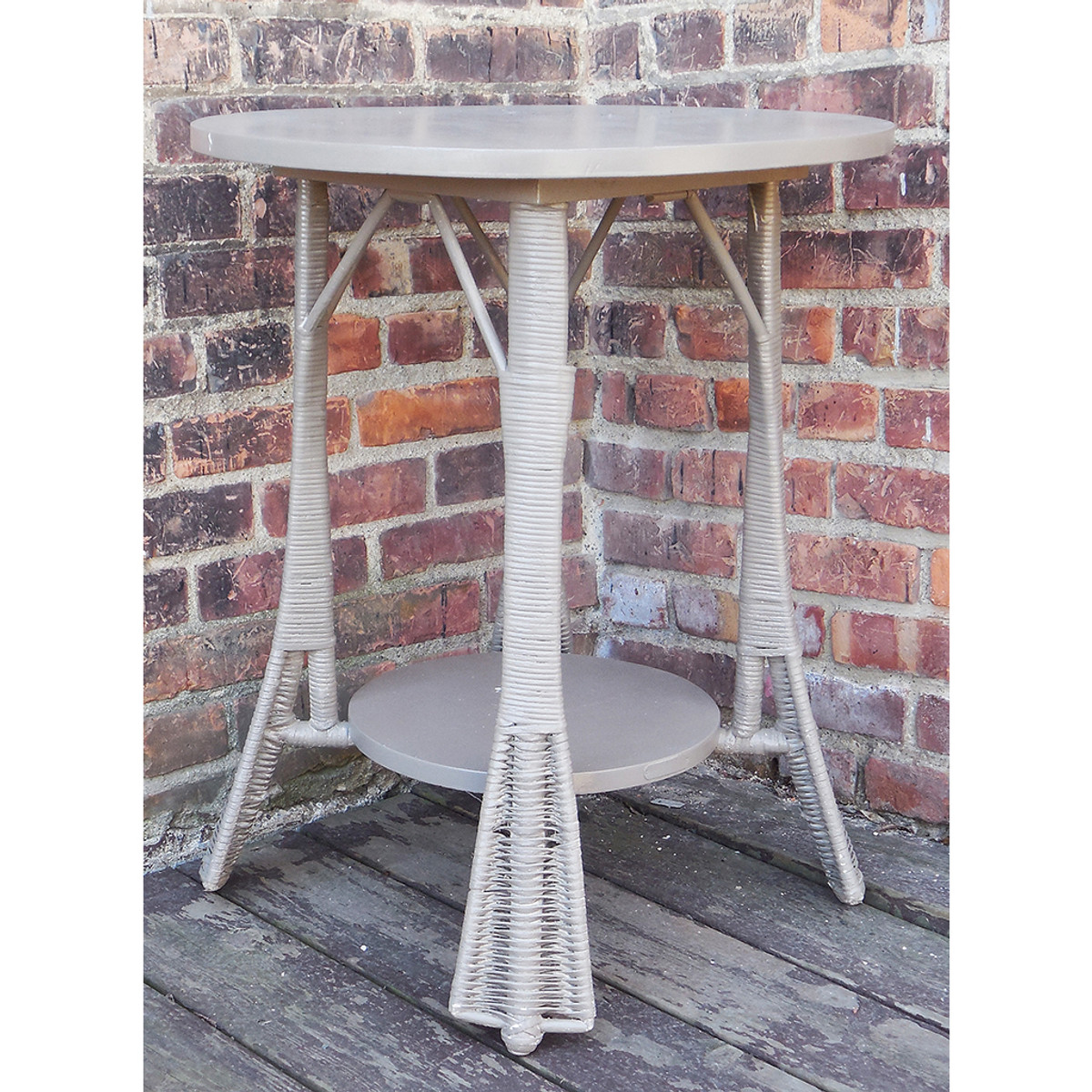 F14033 - Antique Arts and Crafts Wicker Side Table