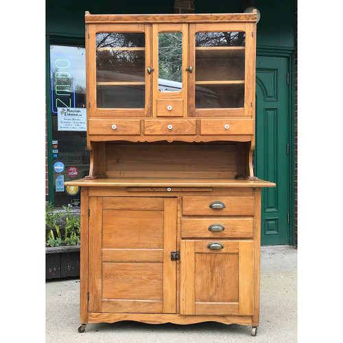 F17130   Antique Hoosier Style Bakers Cabinet