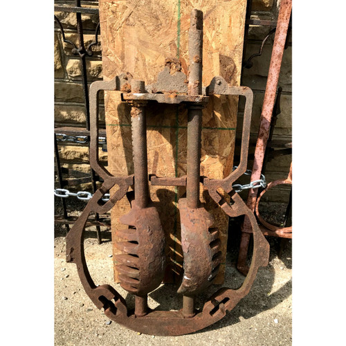 A18045 - Antique Stove Coal Shaker Grate
