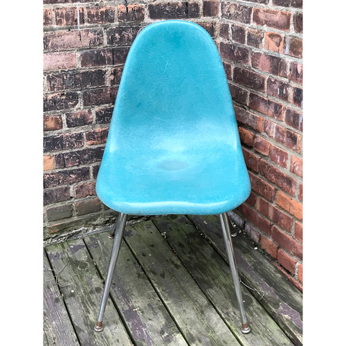 F18048 - Vintage Mid Century Chromecraft Molded Fiberglass Chair