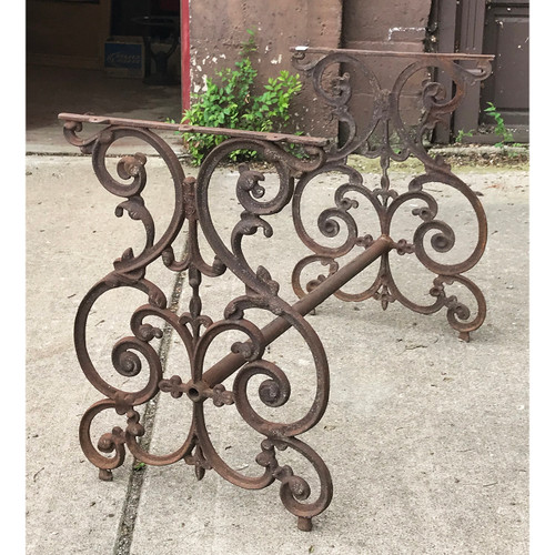 F18066 - Antique Cast Iron Trestle Table Base