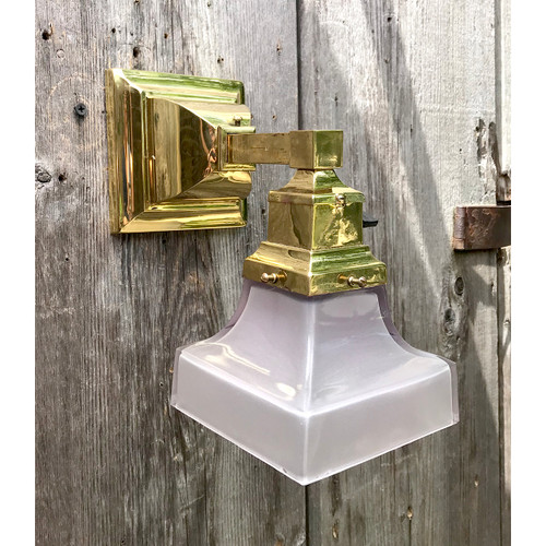 L18105 - Antique Arts & Crafts Brass Sconce