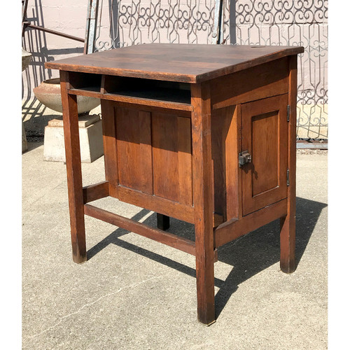 F18082 - Antique Arts and Crafts Oak Standing Desk