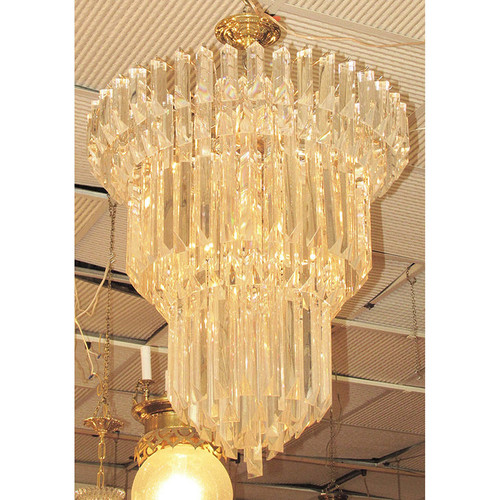L15192 - Vintage Hollywood Regency Tiered Hanging Crystal Chandelier
