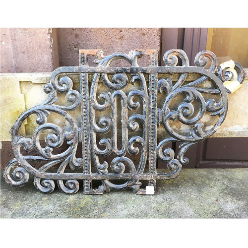 S16008 - Antique Cast Iron Stairway Inserts