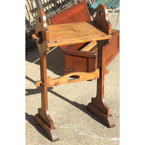 F17026 - Antique Arts and Crafts Kneeling Prayer Stand