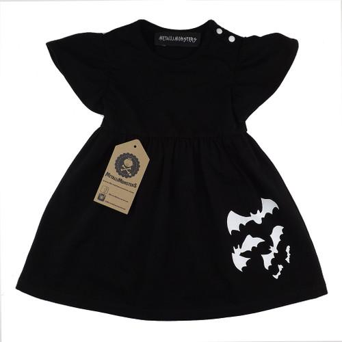 Bats dress black