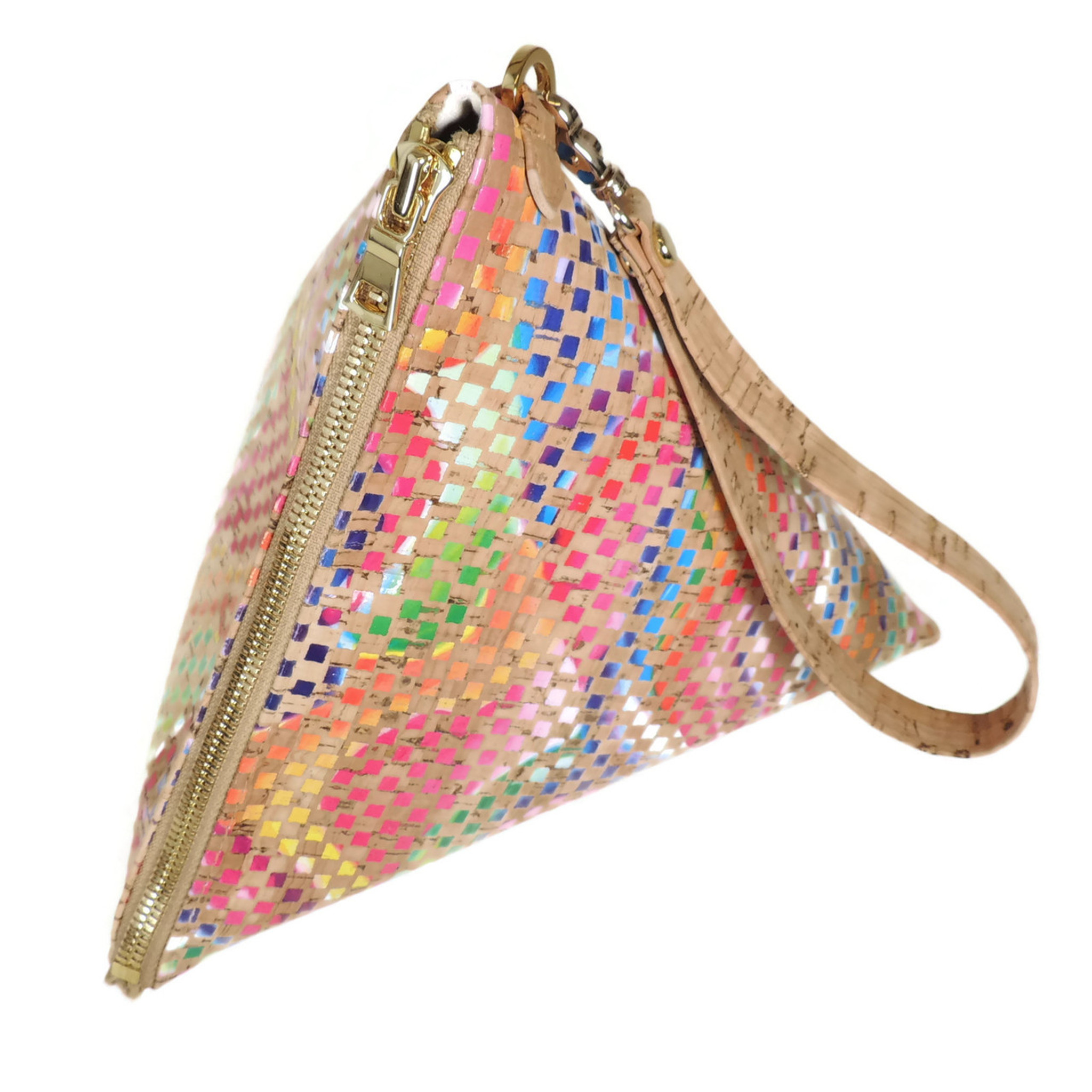 Triangle Clutch in Mosaic Cork