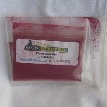 Fluorescent active powdered tracer dyes.