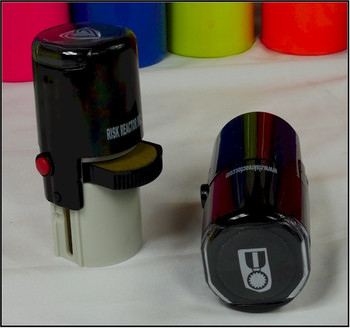 Stamping invisible fluorescent inks are used in this marking device.