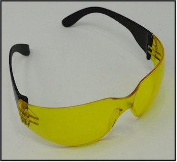 UV light safety glasses using amber lens