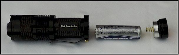 The MINIZOOM-395 uses one double AA battery which comes with this black light.