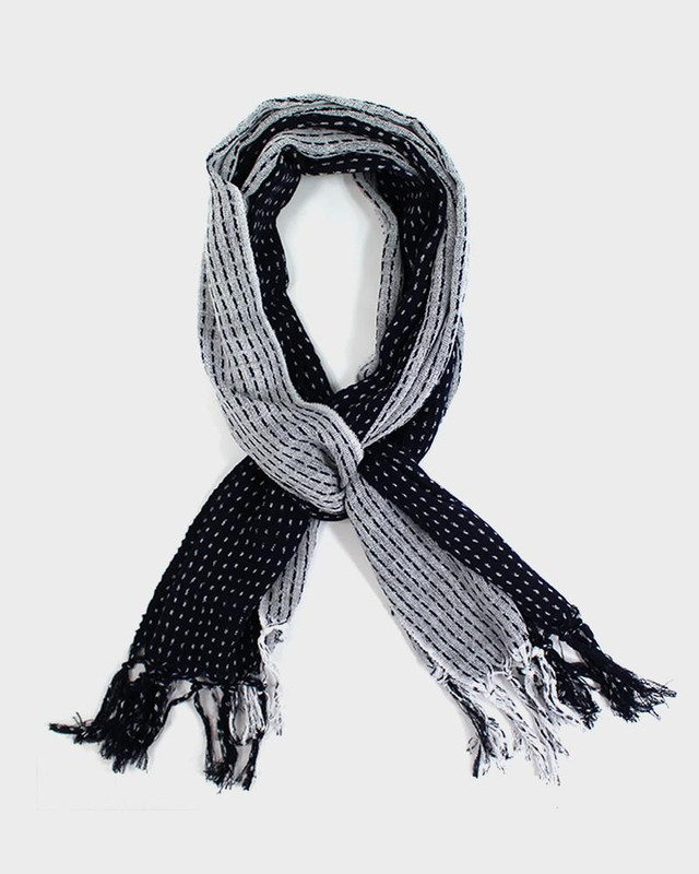 Karu-Ori Scarf, White and Navy Split Dash