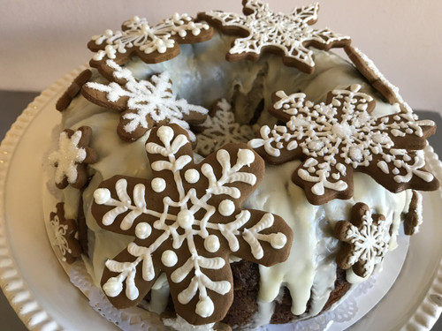 Gingerbread Bundt Cake with Cookies