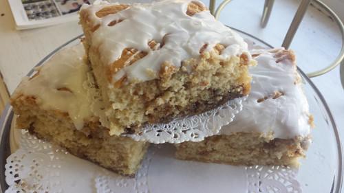 Gluten Free Cinnamon Roll Cake