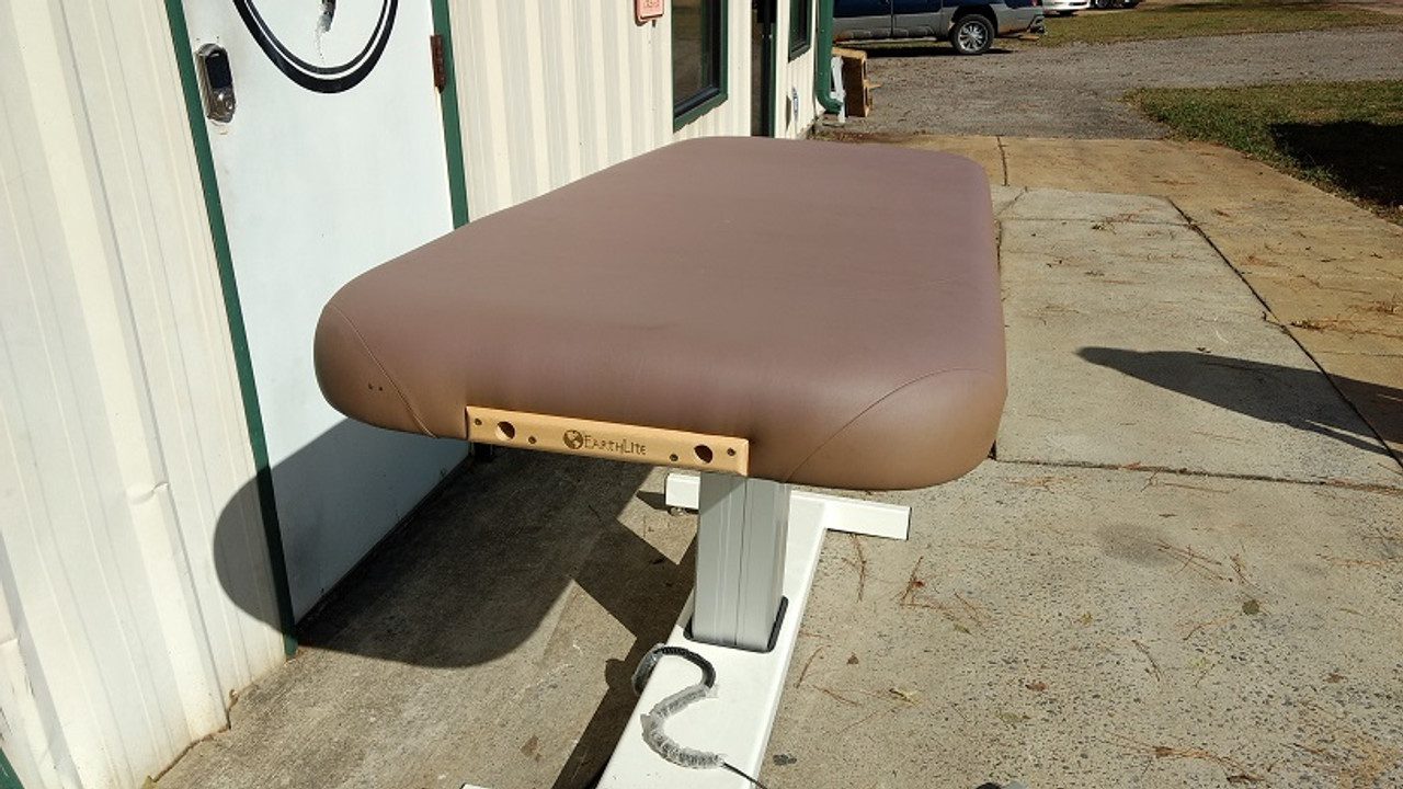 Earthlite Elevation Massage Table