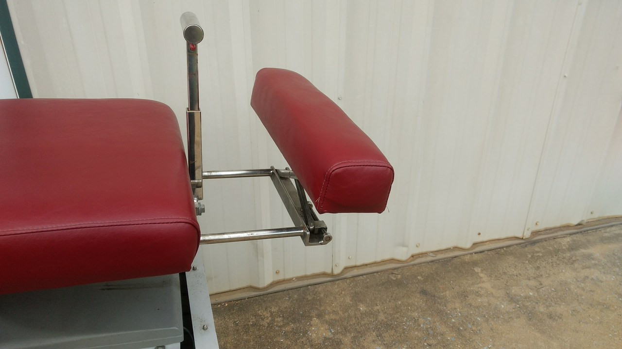 Used  LLoyd Galaxy Ultimate Auto & Manual Flexion Table/ Hylo  5 Auto & Manual Drops/Height Select Burgundy