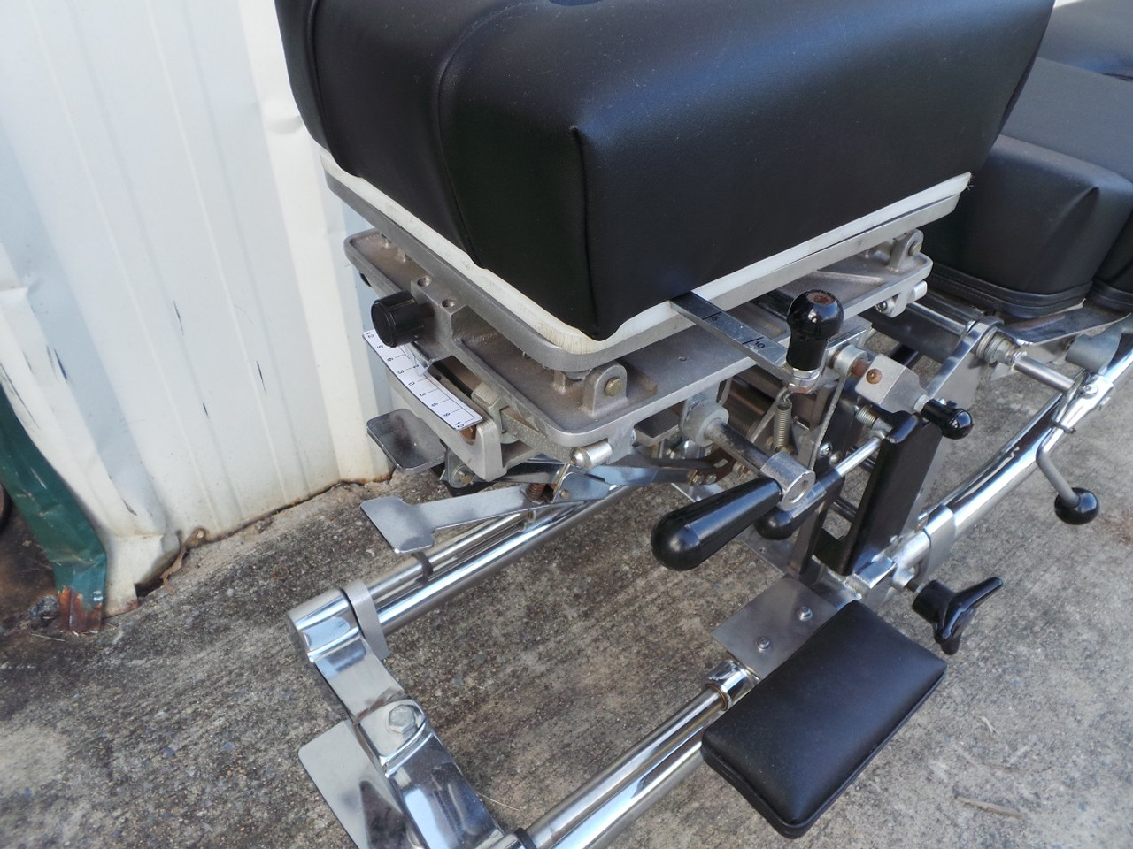 This Zenith 60 Stationary table pictures shows close up of with Pierce 3 Dimensional movement.