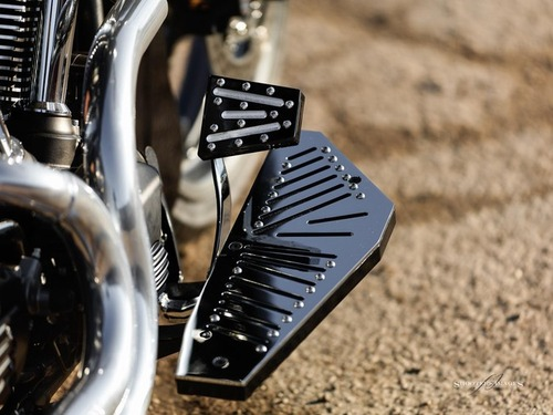 Blacksmith Phantom V Pedal Yamaha Roadliner Stratoliner Raider Roadstar Black