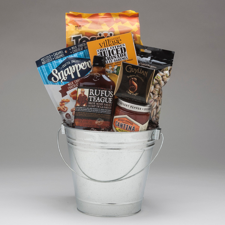 It's grilling time!! This BBQ bucket comes with some fabulous flavours, good snacking, and a bit of attitude...Rufus Teague made some Sauce Touch o Heat  & Desert Pepper Cantina Salsa are all of the above!