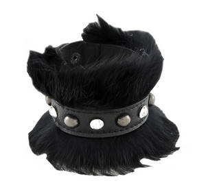https://s3.amazonaws.com/zeckosimages/81210-black-fur-leather-bracelet-wristband-1I.jpg
