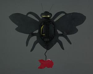 https://s3.amazonaws.com/zeckosimages/AD-P1804-buzz-bee-pendulum-wall-clock-1I.jpg