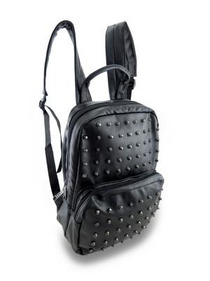 https://s3.amazonaws.com/zeckosimages/38355-black-skull-vinyl-backpack-studs-1-L.jpg