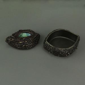 https://s3.amazonaws.com/zeckosimages/US-WU77326A4-thorny-scale-dragon-eye-trinket-box-1I.jpg