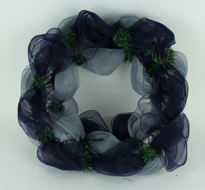 https://s3.amazonaws.com/zeckosimages/MEM-MLB-NYY-1512-mesh-wreath-new-york-yankees-1I.jpg