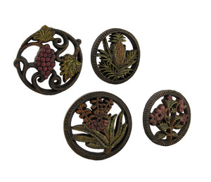 https://s3.amazonaws.com/zeckosimages/MU-HVD09756-decorative-wall-hanging-plaque-flower-fruits-1I.jpg
